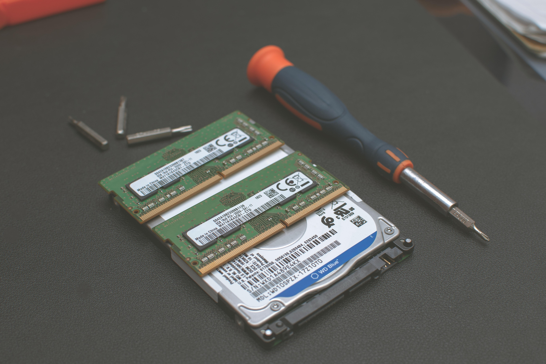 Komu zlecić naprawę laptopa?